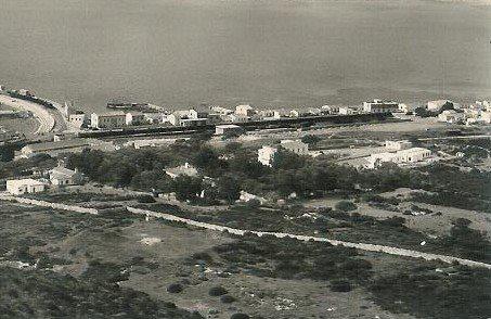 1953 una bella panoramica di Golfo Aranci d'altri tempi