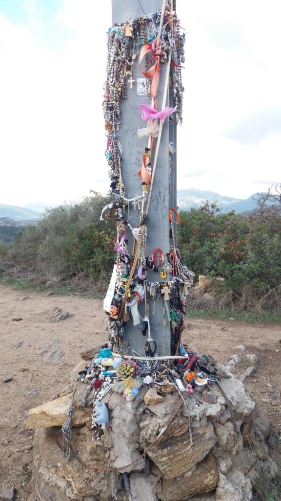Croce Chiesa della Madonna del Monte
